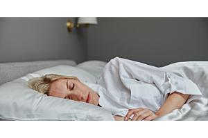 How does menopause affect my sleep? | Soak&Sleep