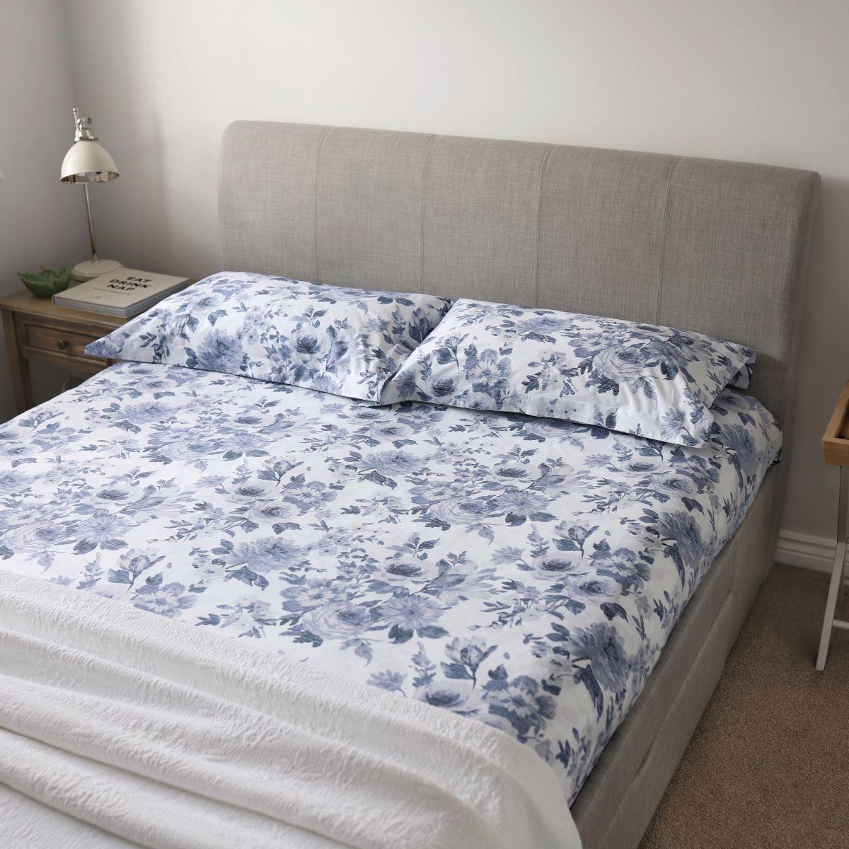 White/Blue 200TC Floral Cotton King Size Duvet Cover