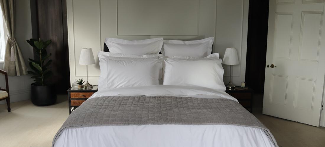 Create a townhouse styled bedroom I Soak&Sleep