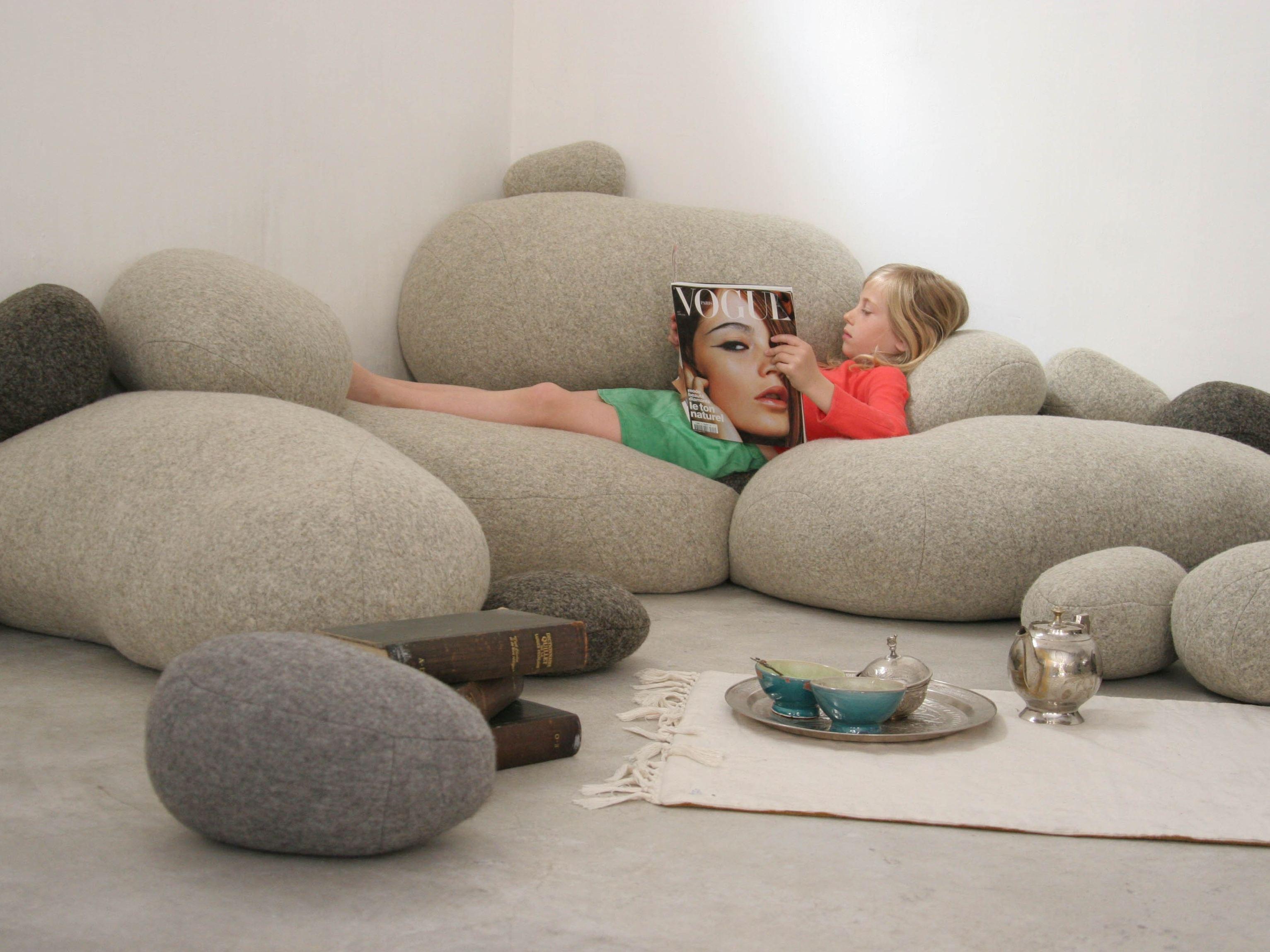 living-stones-pillow